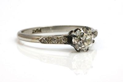 Lot 146 - A single stone diamond ring, c.1930