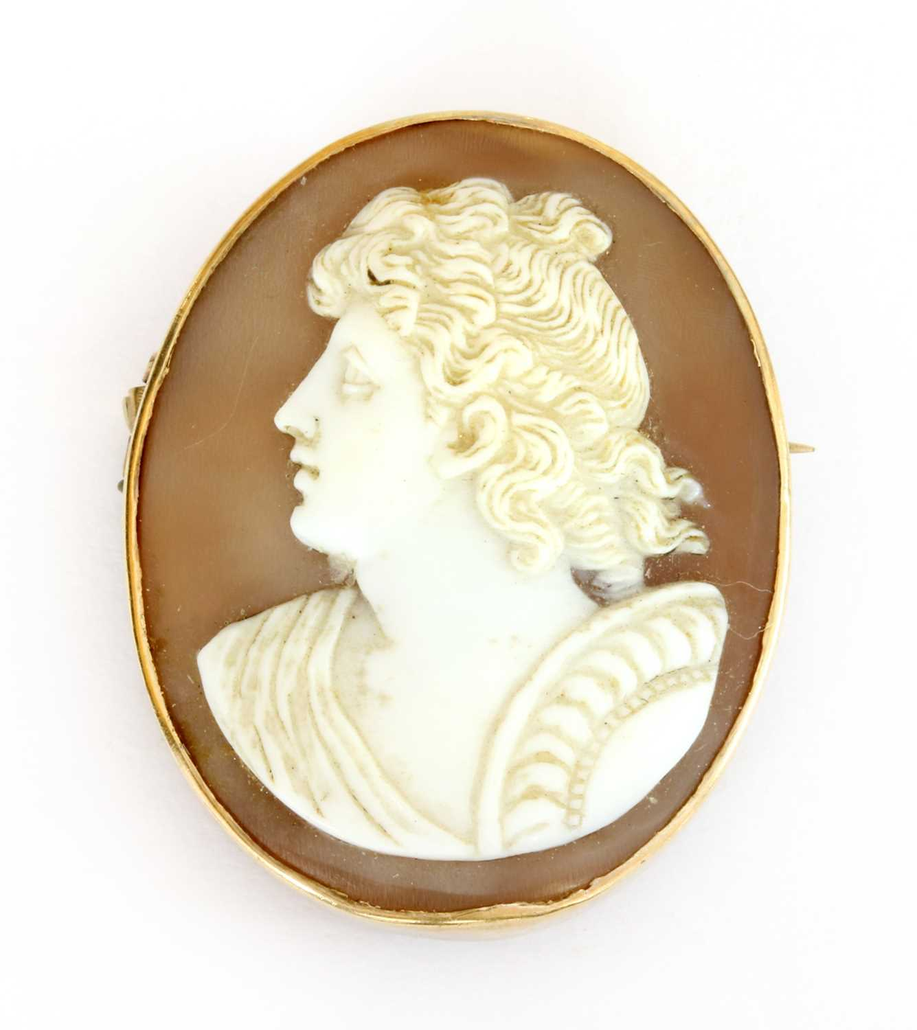 Lot 19-A gold mounted oval shell cameo