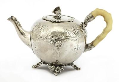 Lot 39 - A  Dutch 833 standard silver teapot