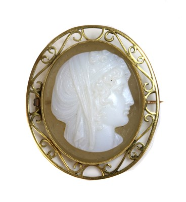 Lot 69 - An Edwardian hardstone composite cameo brooch, c.1900