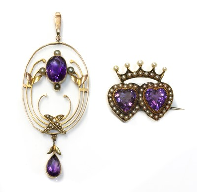 Lot 95 - A late Victorian amethyst and split pearl crowned double heart brooch, c.1900