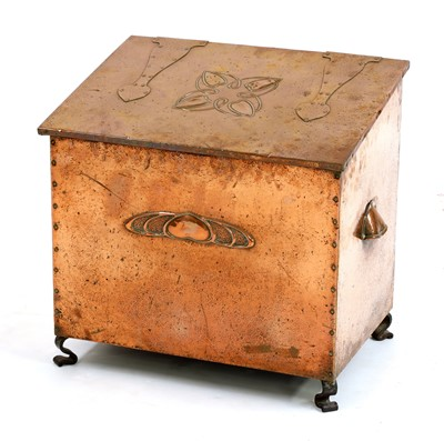 Lot 15-An Arts and Crafts copper log bin