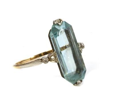 Lot 144 - A Continental Art Deco aquamarine and diamond ring, c.1920