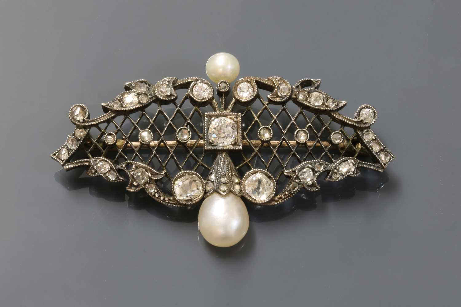 Lot 24 - A Continental late Victorian pearl and diamond brooch