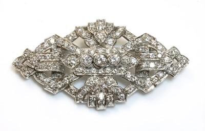 Lot 191 - An Art Deco-style diamond set plaque brooch