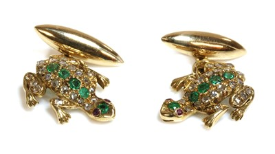 Lot 170 - A pair of emerald and diamond chain-link frog cufflinks
