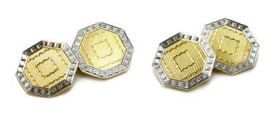 Lot 175 - A pair of Art Deco octagonal chain-link cufflinks