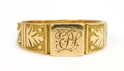 Lot 32-A ladies' Victorian Egyptian Revival 18ct gold signet ring