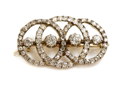 Lot 42 - A Continental diamond set triple hoop brooch/pendant, c.1890
