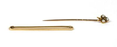Lot 30 - A plain gold bar brooch