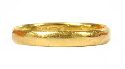 Lot 94 - A 22ct gold wedding ring