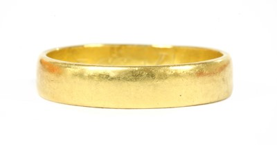 Lot 95 - A 22ct gold flat section wedding ring