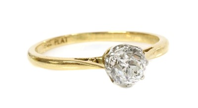 Lot 21 - A single stone diamond ring