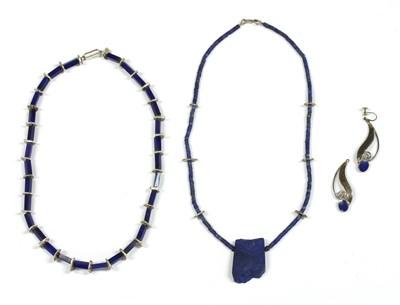 Lot 83 - A contemporary silver lapis lazuli bead necklace