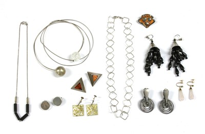 Lot 77 - A collection of contemporary silver jewellery