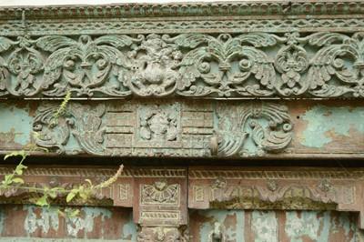 Lot 1 - A large Indian carved hardwood door
