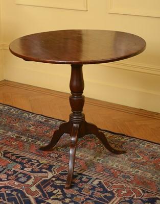 Lot 97 - A George III mahogany tilt-top supper table