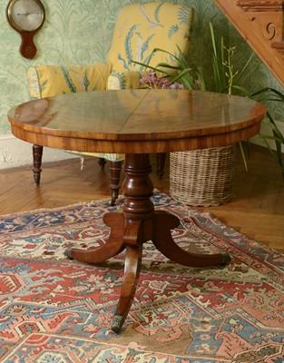 Lot 47 - A Regency mahogany centre table