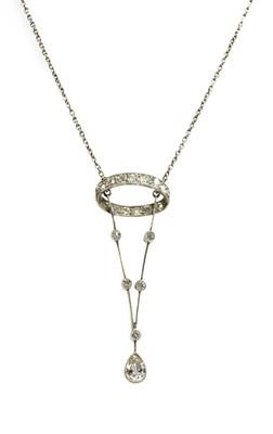Lot 27 - An Edwardian platinum diamond pendant