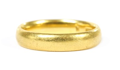 Lot 88 - A 22ct gold court section wedding ring