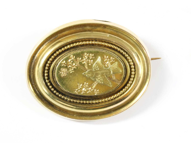 Lot 15-A Victorian gold brooch