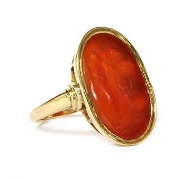 Lot 9 - A gold intaglio hardstone signet ring