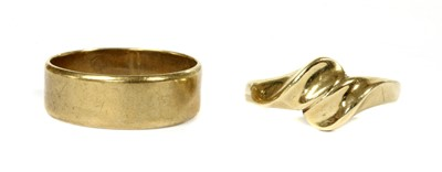 Lot 89 - A 9ct gold flat section wedding ring
