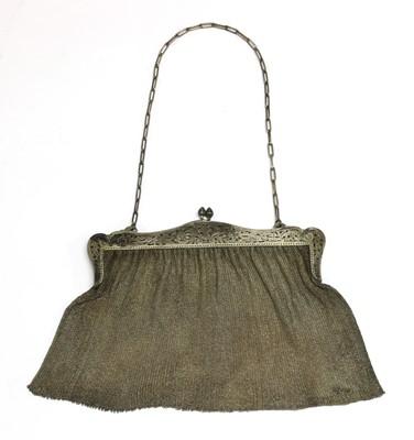 Lot 46 - A silver mesh purse