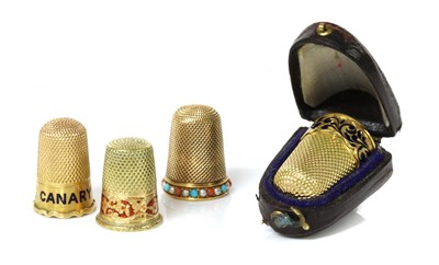 Lot 124 - Of racing interest: a Victorian gold thimble