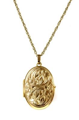 Lot 63 - A 9ct gold oval locket