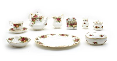 Lot 39 - A collection of Royal Albert Old Country Roses