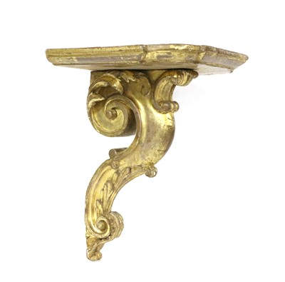 Lot 80 - A carved giltwood wall bracket
