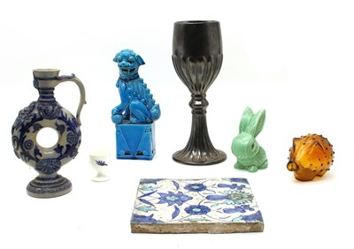 Lot 113 - A collection of miscellaneous ceramics