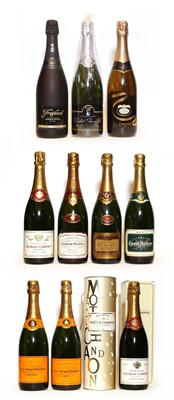 Lot 4 - Assorted Champagne and sparkling wine; Veuve Clicquot, NV, 2 bottles and 9 various others