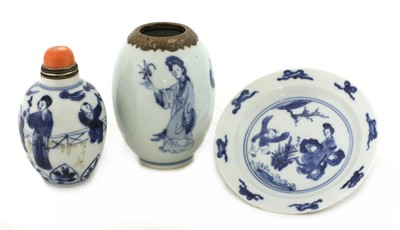 Lot 9 - A collection of Chinese blue and white