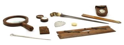 Lot 114 - An assortment of items