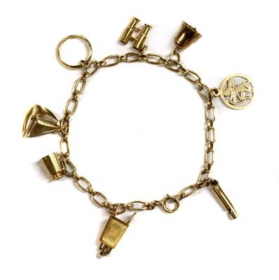 Lot 76 - A 9ct gold fetter link bracelet