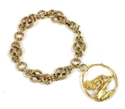Lot 51 - A 9ct gold fancy link bracelet