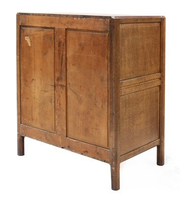 Lot 87 - A Gordon Russell 'Stow' oak chest of four drawers