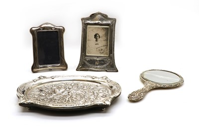 Lot 9 - A collection of silver items