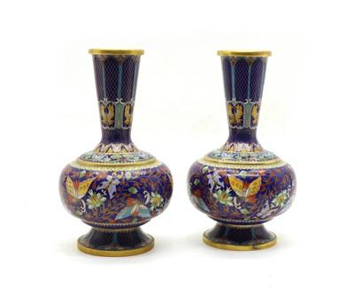 Lot 71 - A pair of Cloissone vases