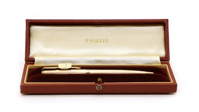 Lot 6 - A 9ct gold Parker waterdrop pen