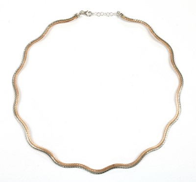 Lot 32 - A 9ct rose and white gold necklace