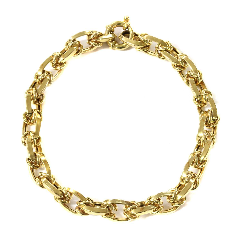 Lot 69 - A 14ct gold hollow link bracelet