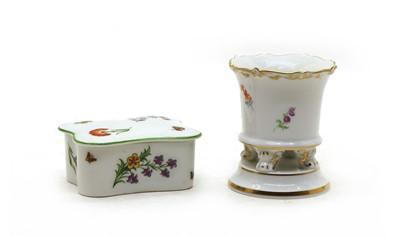 Lot 45 - An early 20th century Meissen porcelain miniature comport