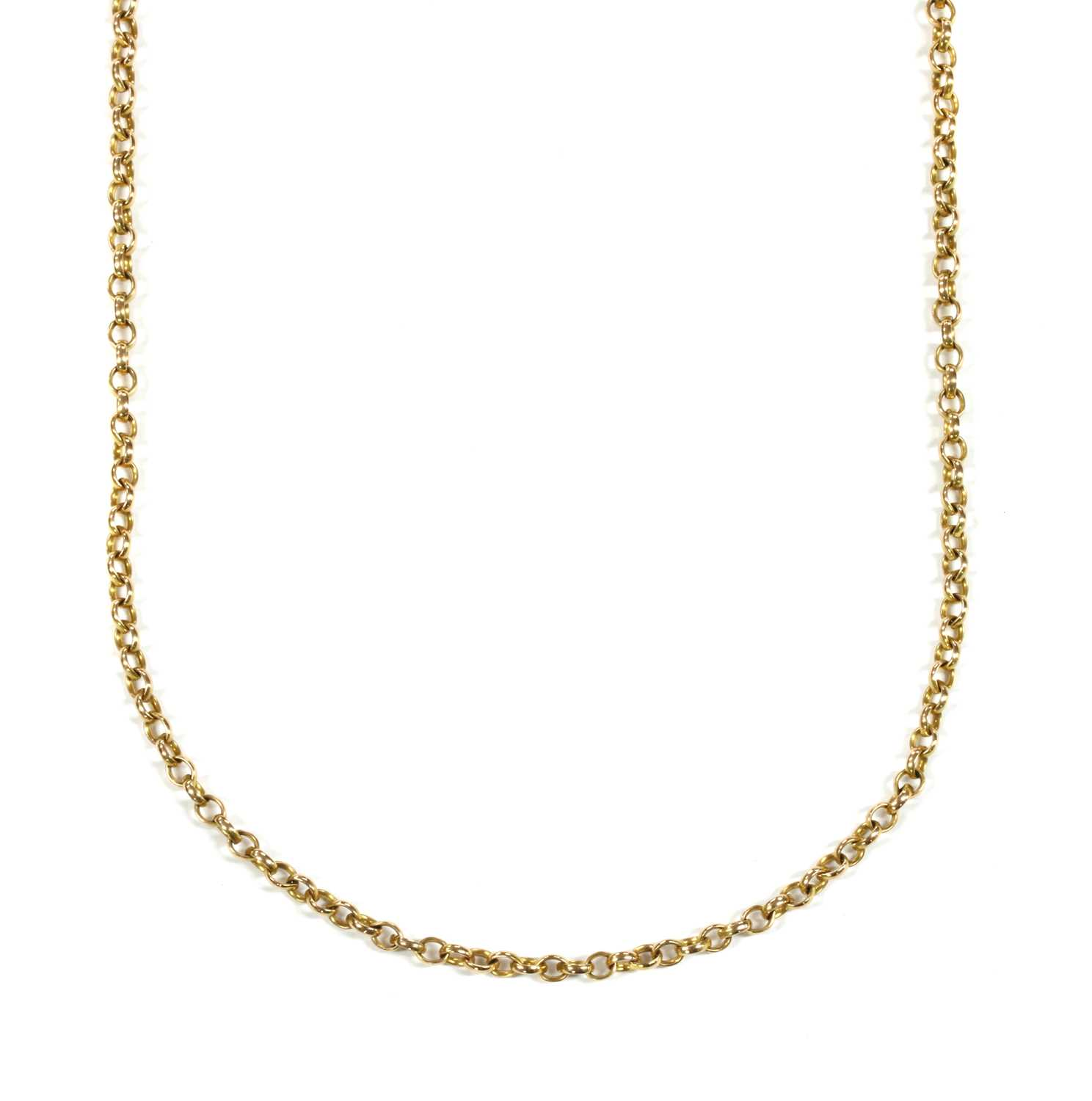 Lot 34 - A gold oval belcher link chain