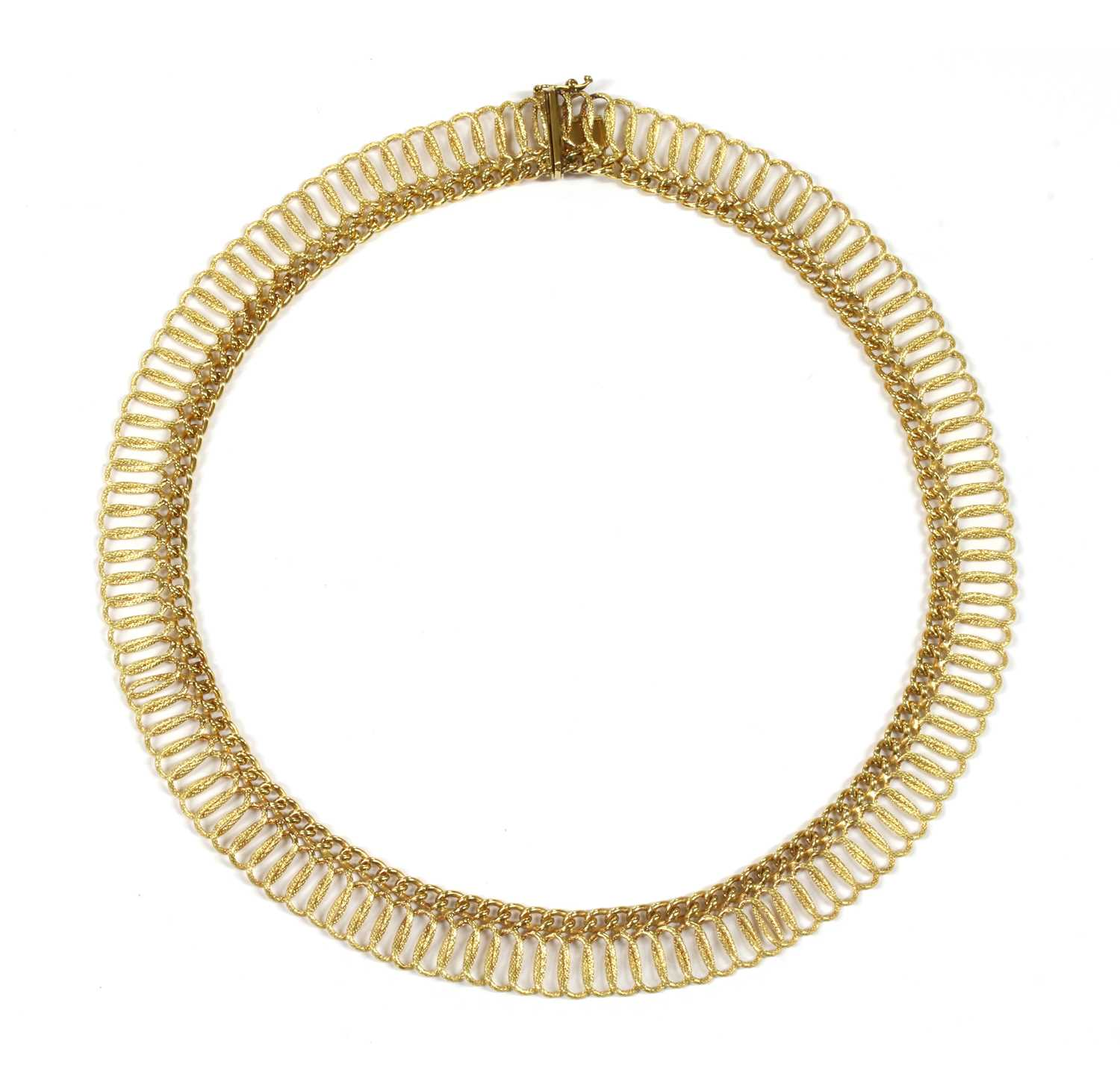 Lot 33 - A 9ct gold necklace