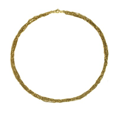 Lot 29 - A 9ct gold necklace