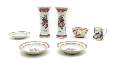 Lot 92 - A collection of Chinese export porcelain