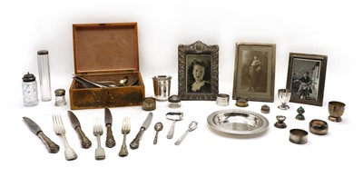 Lot 20 - A quantity of silver and silver plated items